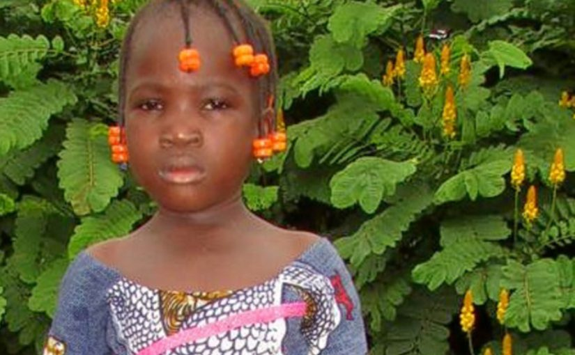 BATOMA – 5 ans (F) – BURKINA FASO