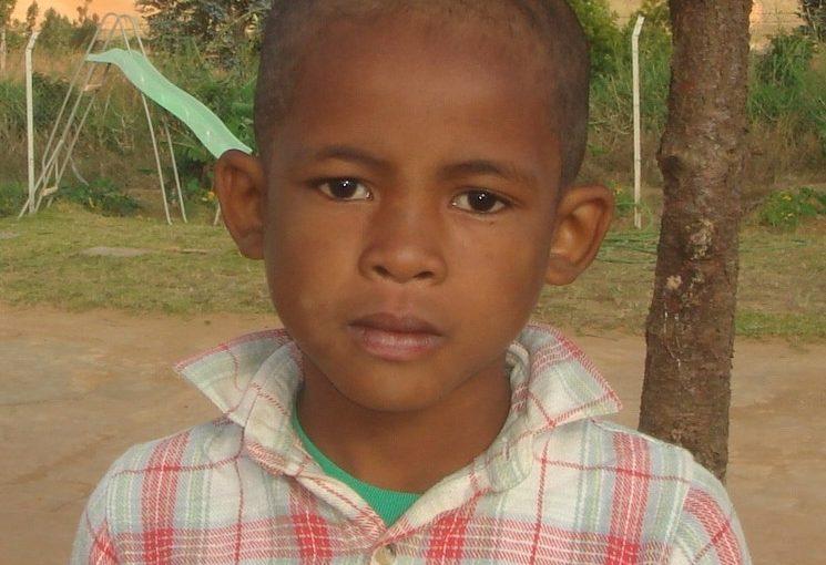 JOACHIN – 9 ans (G) – MADAGASCAR