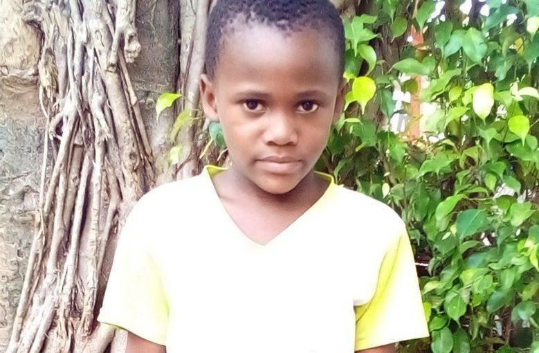 Yoan – 7 ans (G) – Côte d'Ivoire