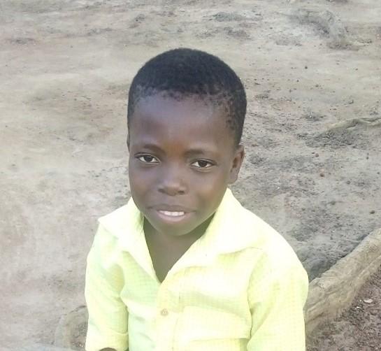 Léon – 11 ans (G) – TOGO Soleil des Nations