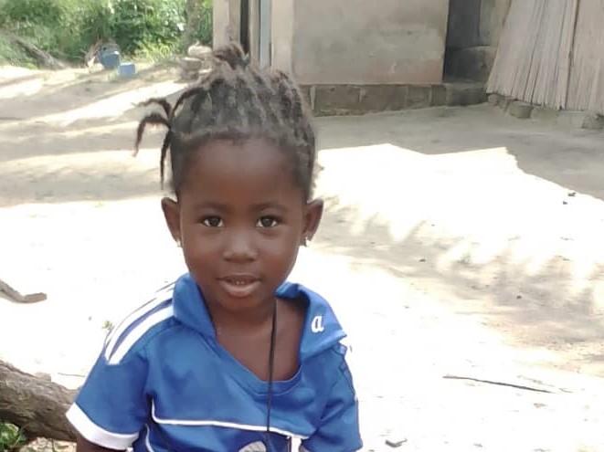 Edith – bientôt 5 ans (F) – Togo Soleil des Nations