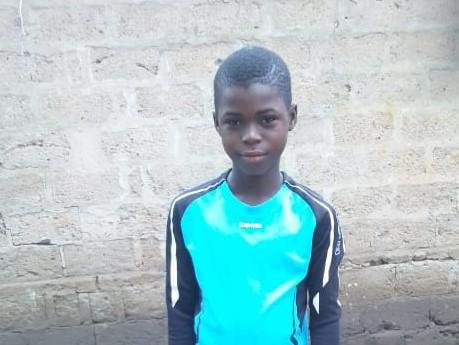 Eric – 10 ans (G) – Togo Soleil des Nations